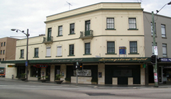 Livingstone Hotel - Pubs Perth