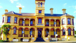 The Queenscliff Historic Royal Hotel - Pubs Perth