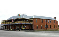 Bundarra Hotel - Pubs Perth