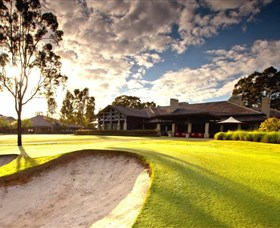 Vintage Golf Club - Pubs Perth