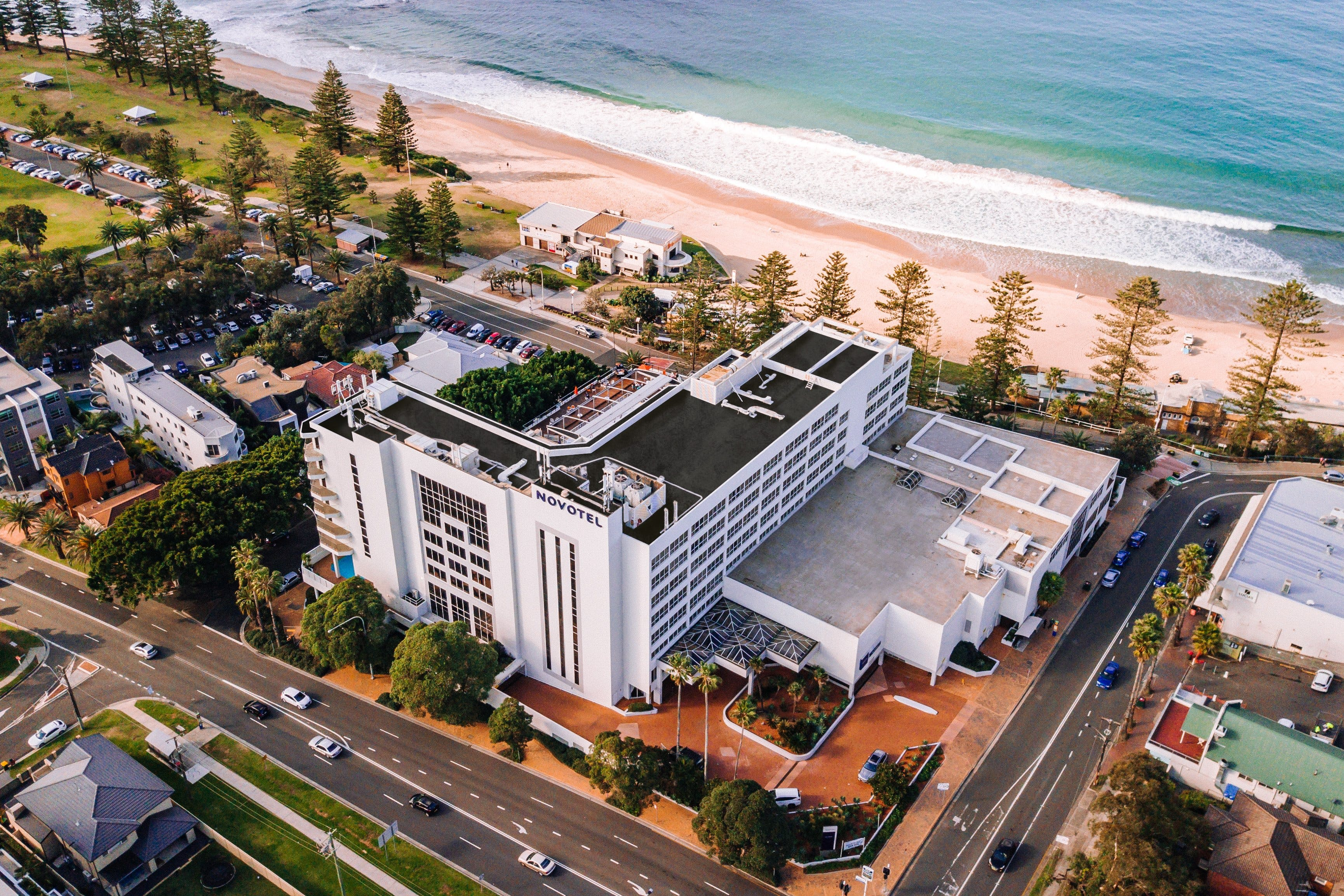New Years Eve Party - Novotel Wollongong Northbeach - Pubs Perth