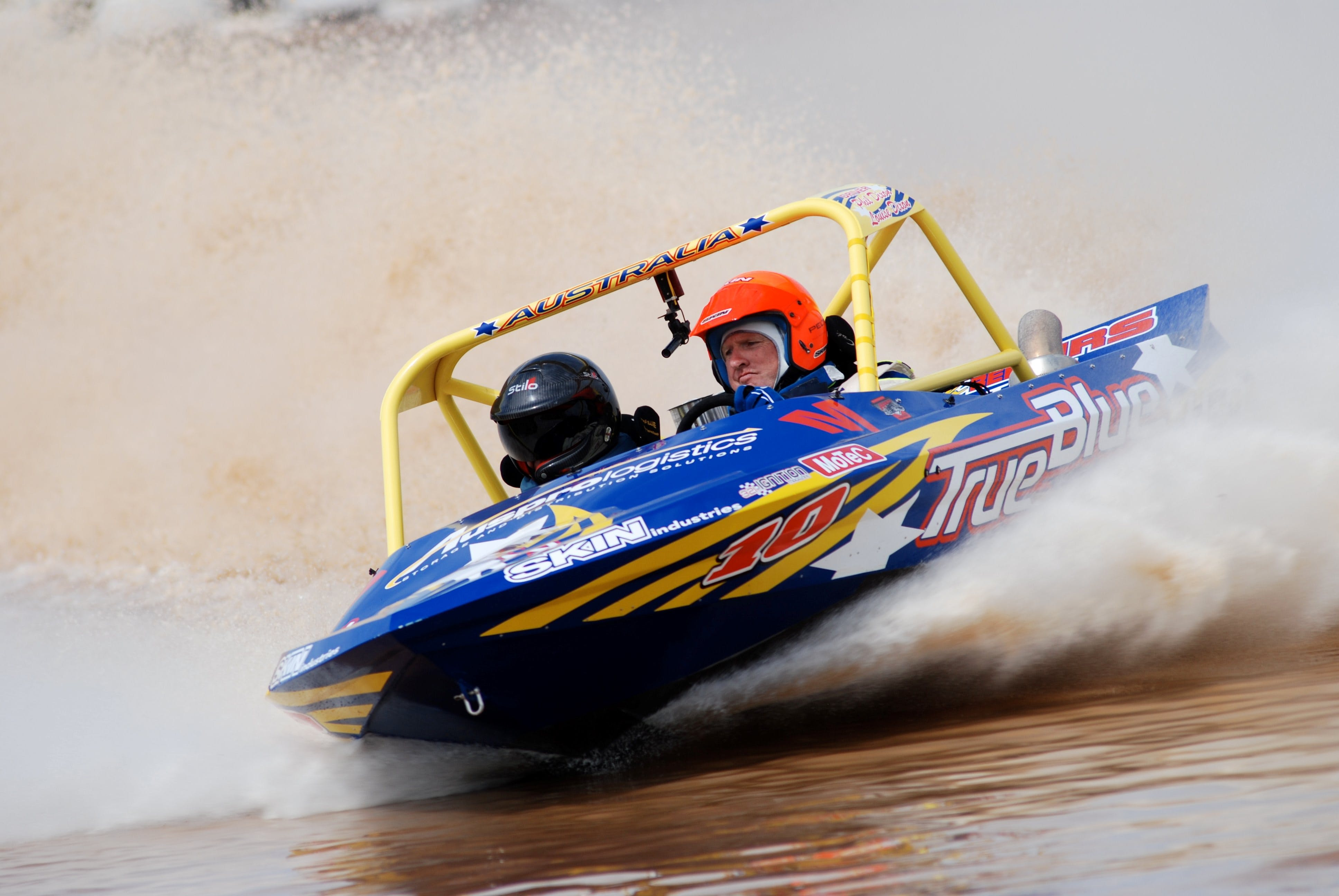 V8 Superboats - Pubs Perth
