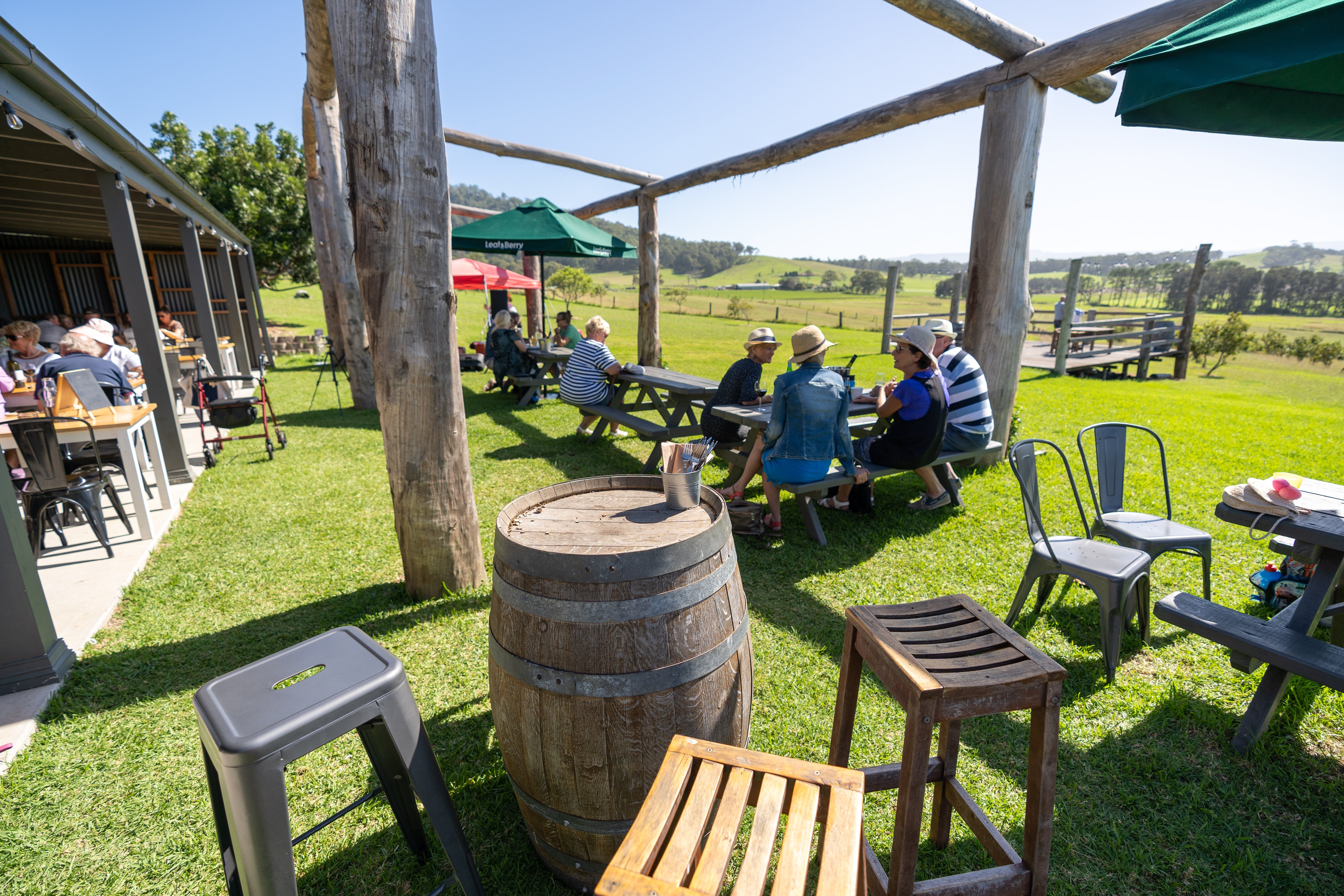 Live Music Sundays at Mountain Ridge Wines - Pubs Perth
