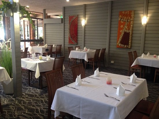 Bombay Bistro - cafe restaurant  bar - Pubs Perth