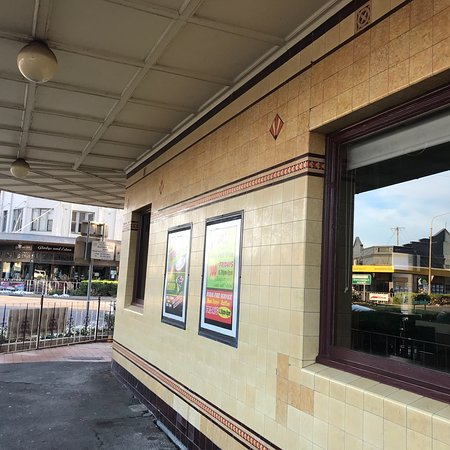 Commercial Hotel Bistro - Pubs Perth