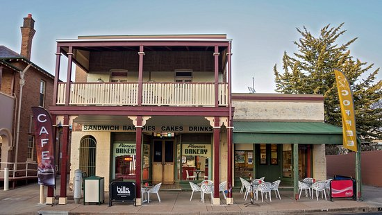 Molong Bakery cafe - Pubs Perth