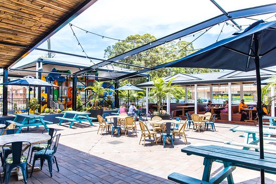 Toormina Hotel Palms Bar  Dining - Pubs Perth