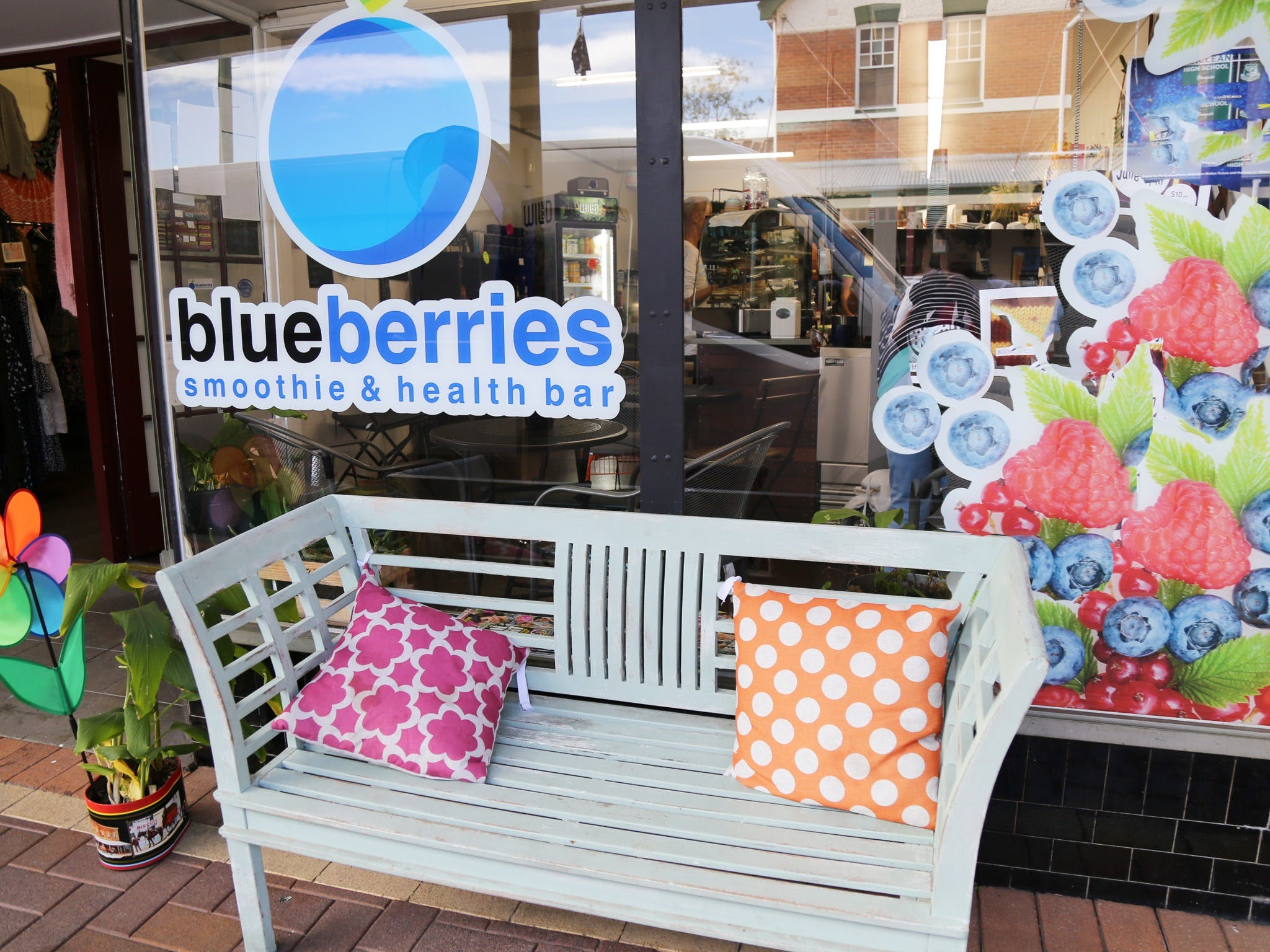 Blueberries Smoothie and Health Bar - Pubs Perth