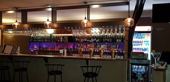 Barrel and Cruse Bistro - Pubs Perth