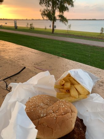 Barmera Chicken and Seafood - Pubs Perth