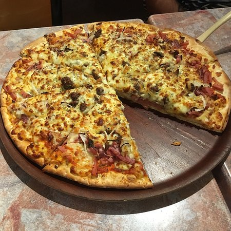 Gourmet Pizza and Pasta - Pubs Perth