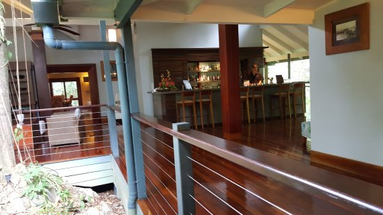Treehouse Restaurant - Pubs Perth